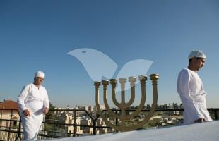Kohanim and Menorah at Passover Offering on Mount of Olives 18.4.2016