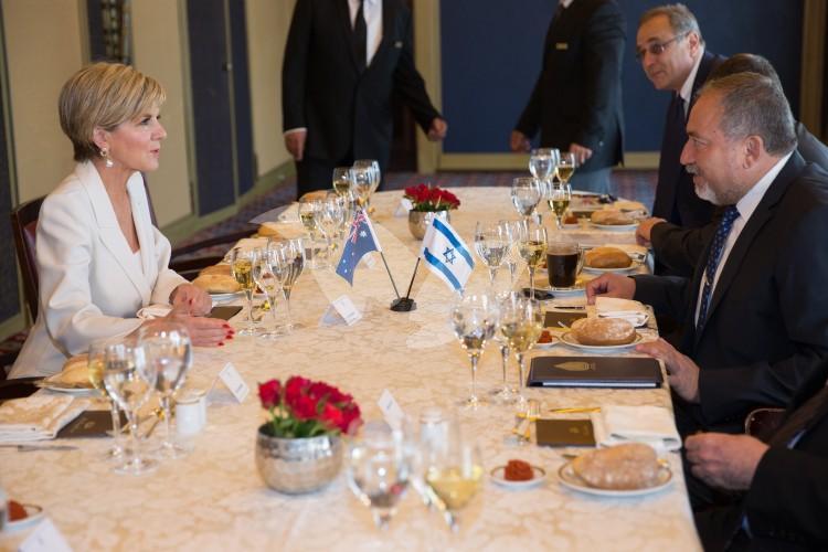 Australian Foreign Minister Julie Bishopand Israeli Defense Minister Avigdor Liberman