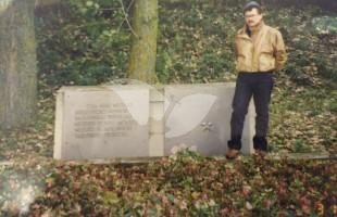 Tzvi Kritzer at the Site of the Mass Grave in Moletai, Lithuania, in 1989