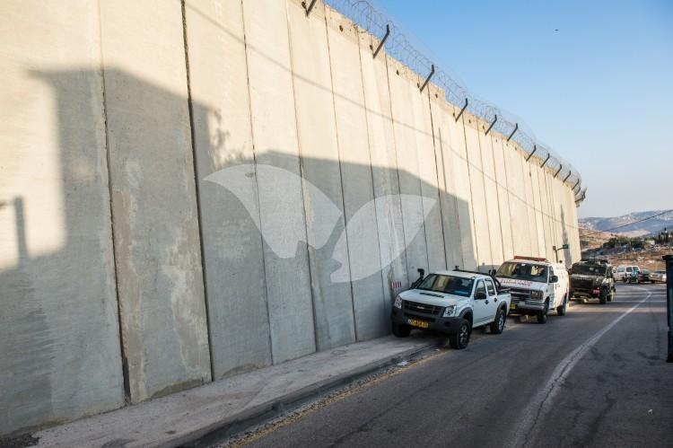The Separation Wall in the East Jerusalem neighbourhoods