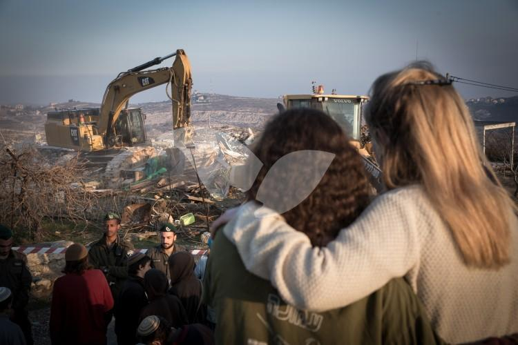 Ziv family house demolitions at Amona