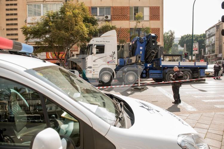 Truck accident in Tel aviv.
