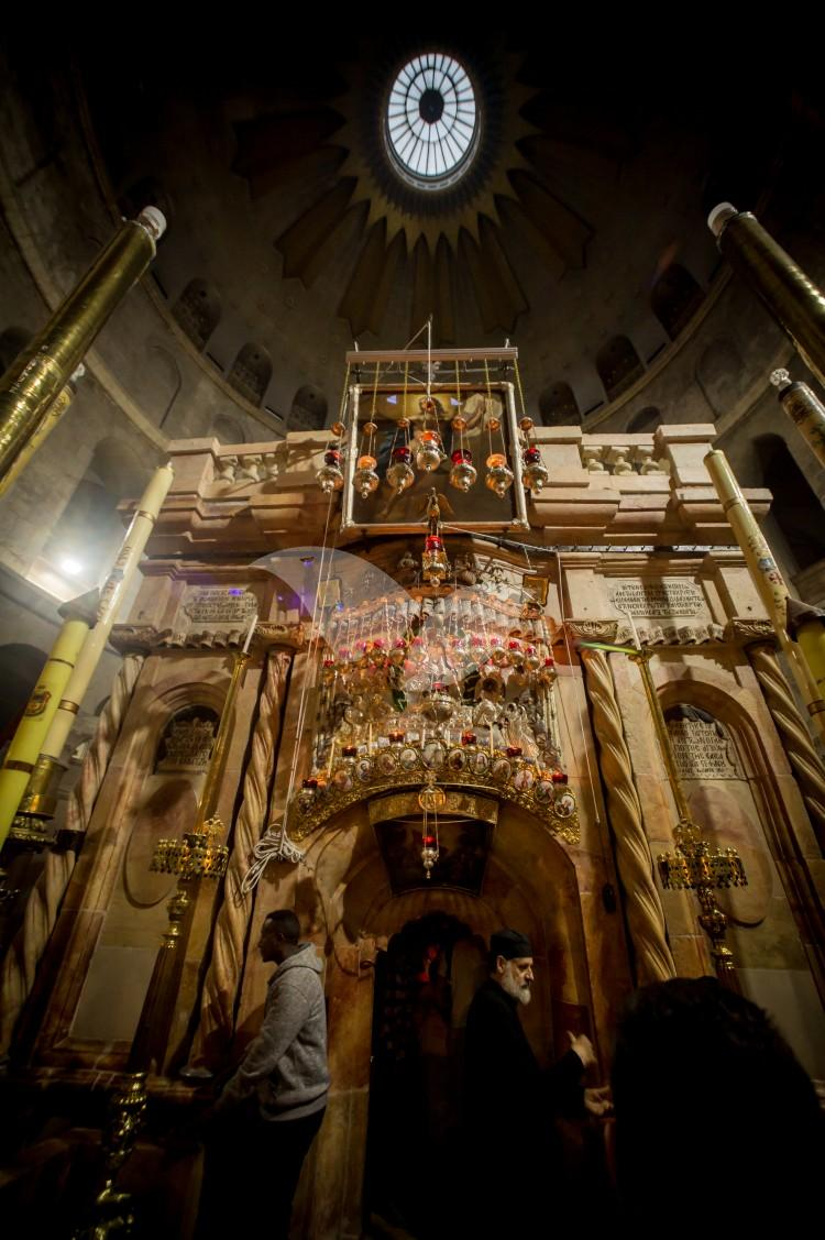 The Holy Fire ceremony at the Church of the Holy Sepulchre in Jerusalem 15.4.2017