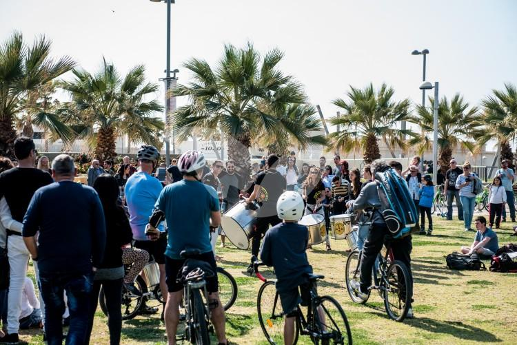 Thousands of people goes out for a sunny day in Tel Aviv 25.3.2017