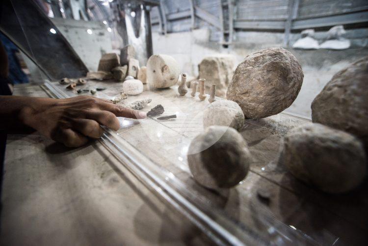 Jerusalem Archeologists
