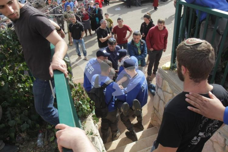 Ofra Evictions – In front of the Kfir Family Home