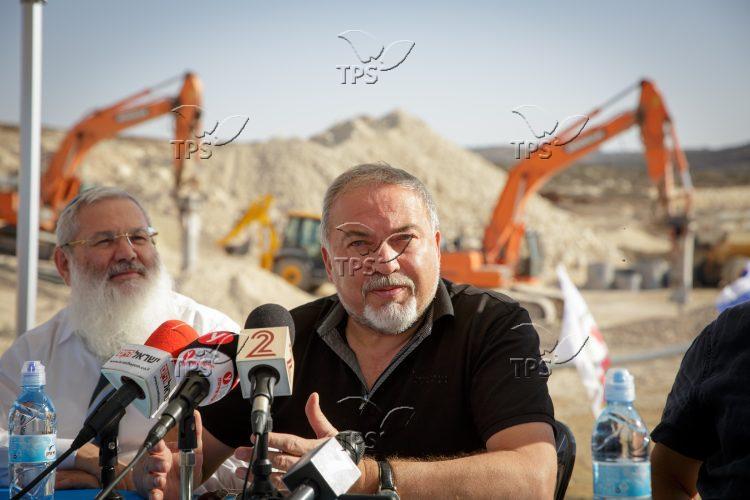 Amichai – Work begins on Jewish settlement