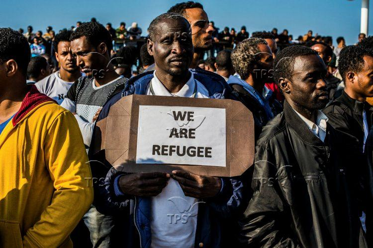 Illegal African migrates protest