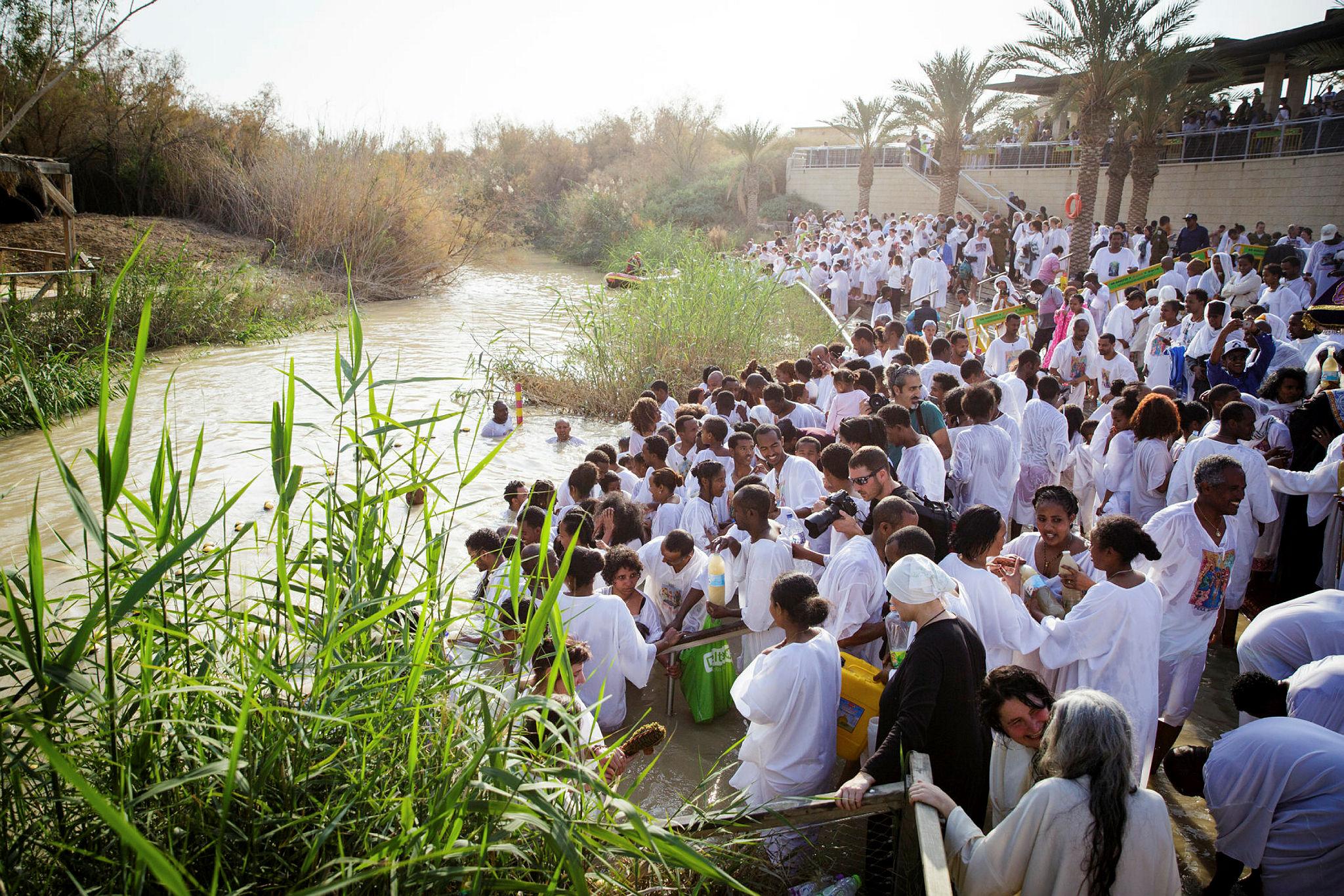 Orthodox Christian pilgrims in Qasr el Yahud
