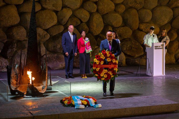 Montenegro Foreign Minister Srdjan Darmanovic Lays Wreath at Yad Vashem