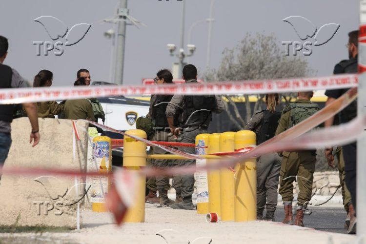 Soldiers at site of Thursday stabbing attack