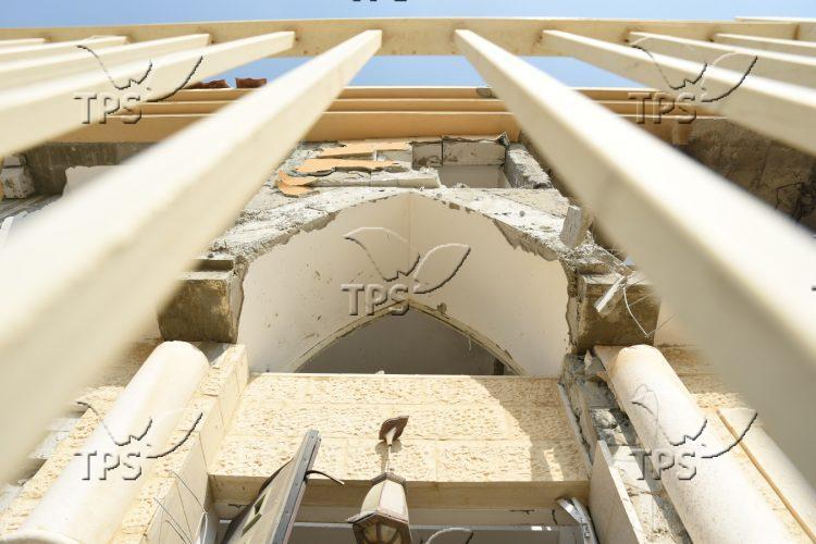 Damaged house hit by Gaza rocket