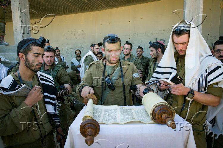 Netzach Yehuda battalion training