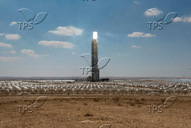 Ashalim solar power station in the Negev