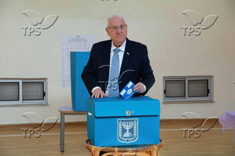 President Reuven Rivlin votes