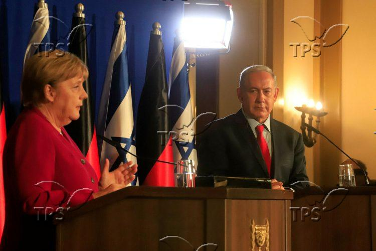 Angela Merkel and Benjamin Netanyahu in a press conference