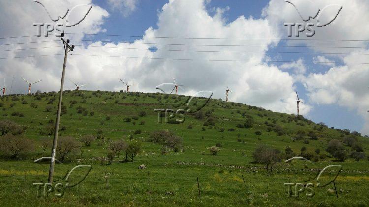 Wind turbines on Israel Syria border