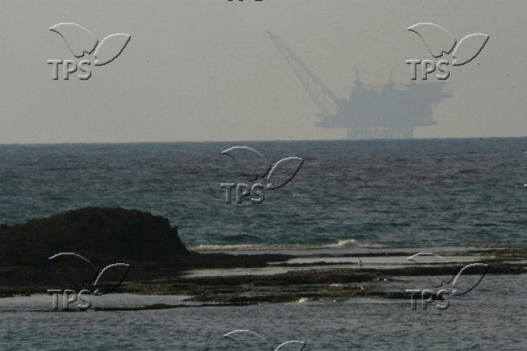 Off-shore Gas drilling rig Leviathan