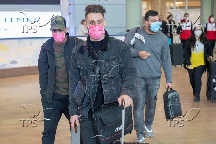Israeli travelers arriving by El Al rescue flights