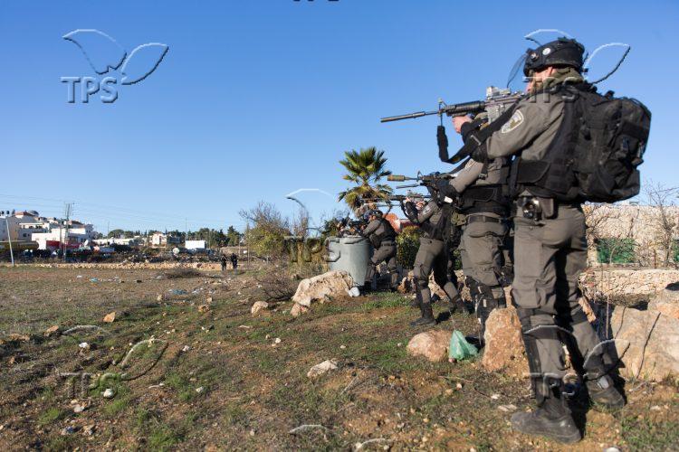 Palestinians' riots in Ramallah