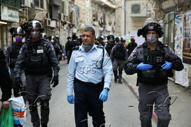 Police enforcing Coronavirus lockdown in Jerusalem