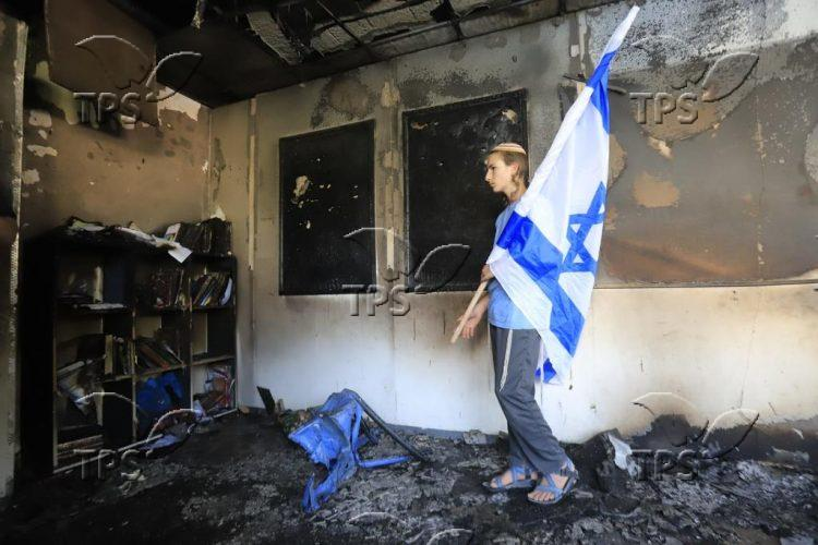 Yeshiva set on fire by Muslim rioters