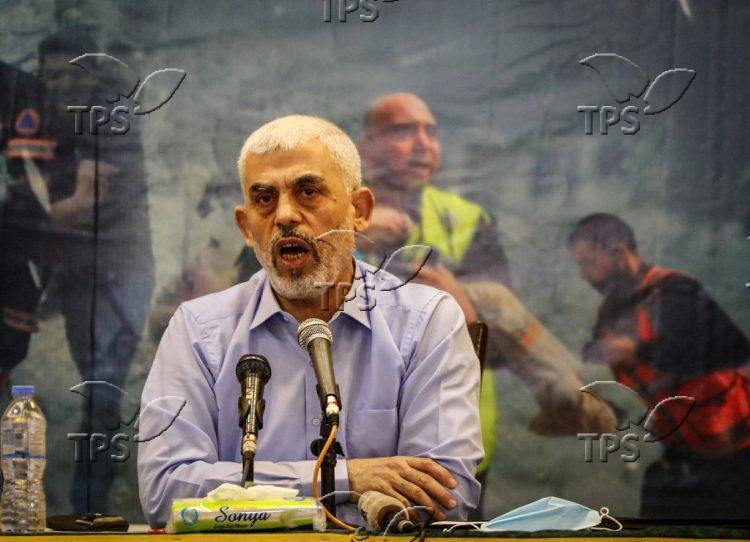 Yahya Sinwar meets the foreign press