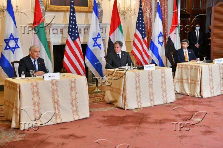 Yair Lapid at trilateral summit Credit Shlomi AmsalemGPO